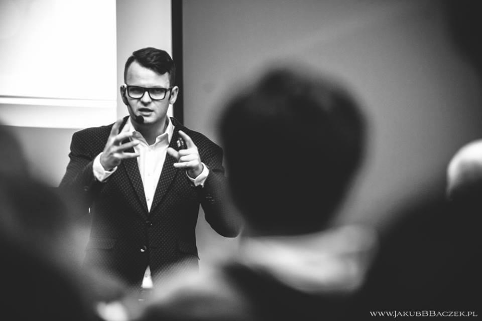 8 zalet bycia mówcą